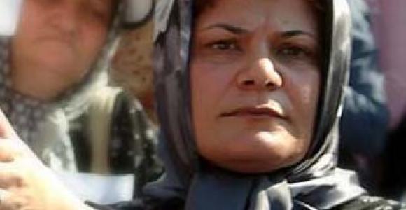 الناشطة ناشطة محبوبة عباس غوليزادة - المصدر kosoof.com